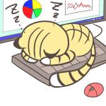 僕の場所ニャン♪キーボードを占領して寝てしまった猫のイラスト(茶トラ・白靴下)